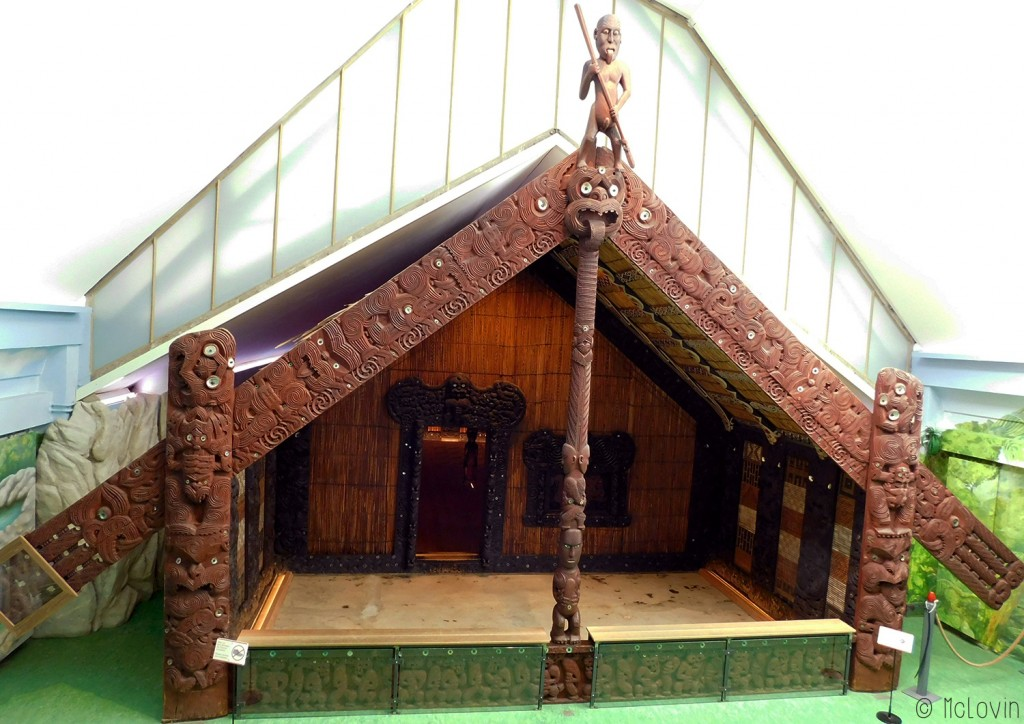 Rauru Le wharenui maori du Musée d'ethnologie d'Hambourg.