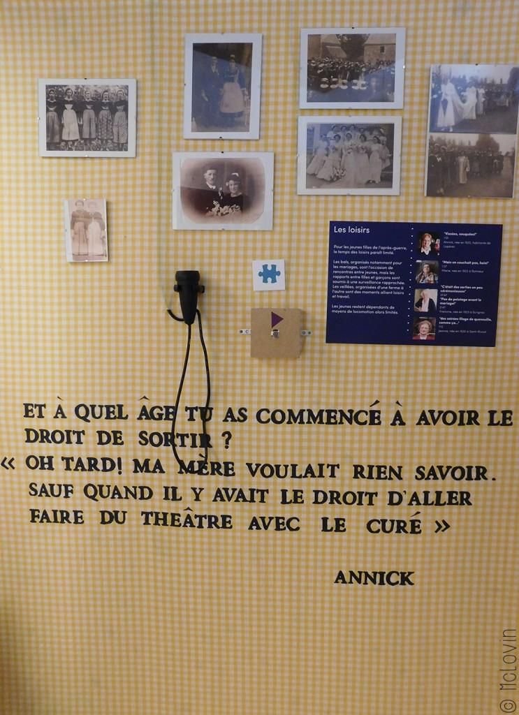 Dans la première partie de l'exposition avec témoignages et photos en vêtements traditionnels
