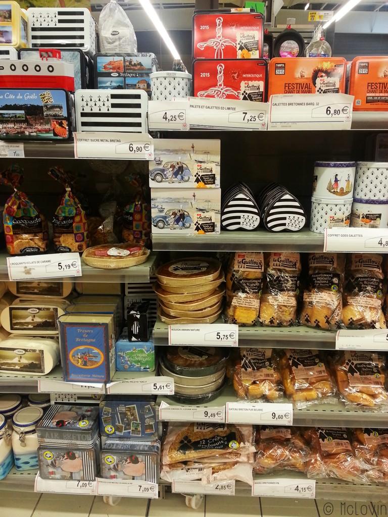 Rayon de supermarché breton en été