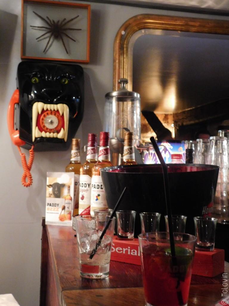 A l'intérieur du bar à cocktail le Grand Sommeil à Rennes
