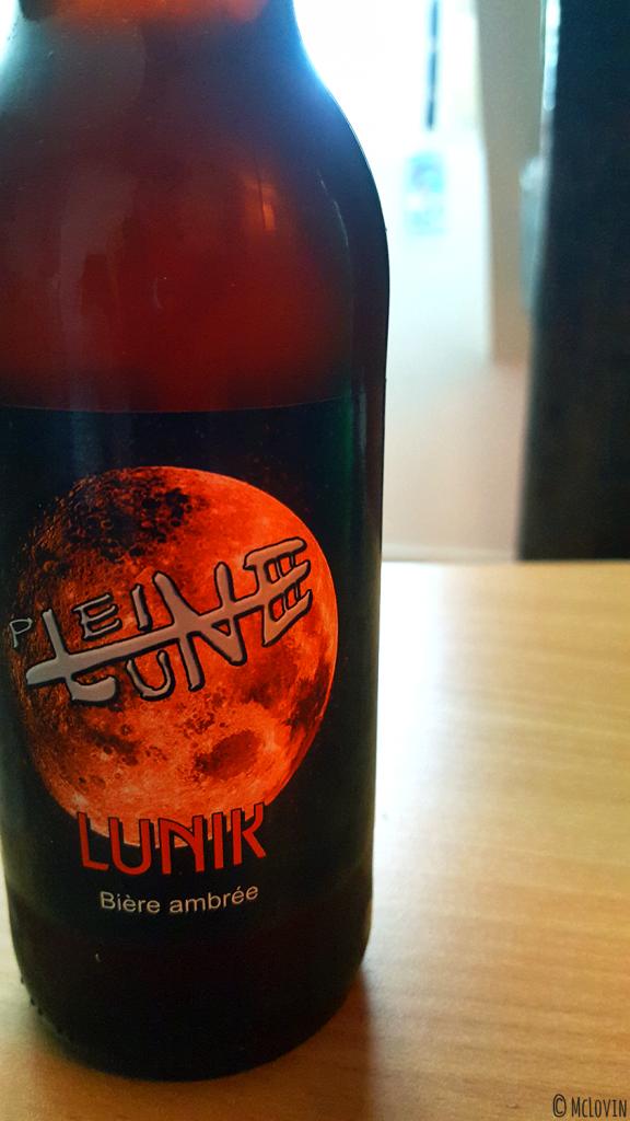 Bouteille de bière ambrée Lunik de la brasserie de la Pleine Lune
