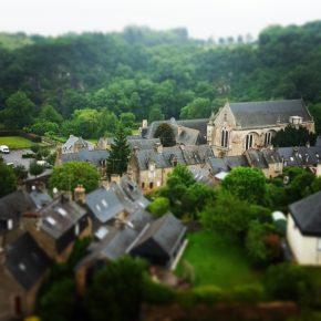 Photo Instagram de l'Abbaye Saint-Magloire vue des remparts du château de Léhon pour l'Instameet Dinan Léhon 2016