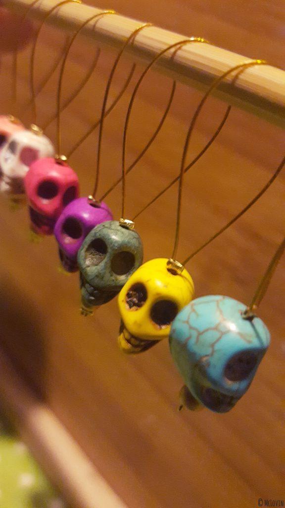 """Les anneaux marqueurs pour tricot """"Día de muertos"""" de toutes les couleurs que j'ai fabriqués toute seule ! DIY"""