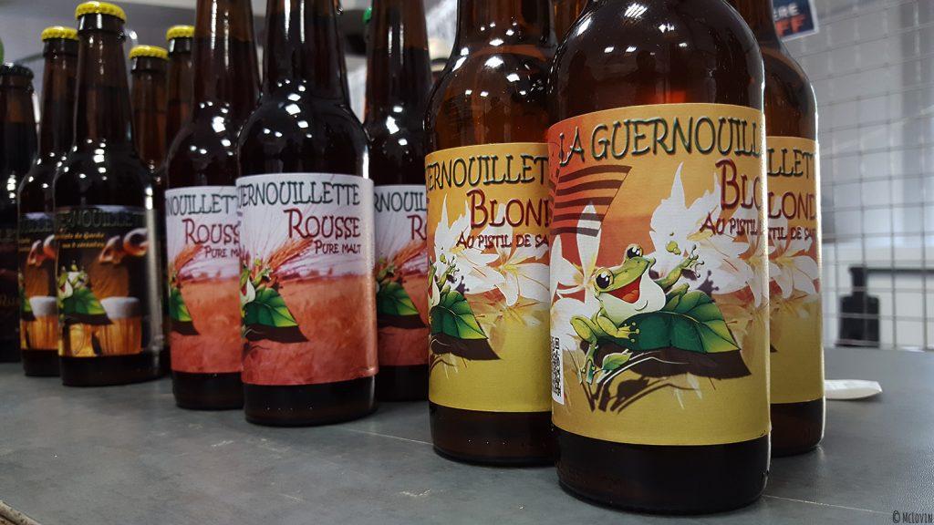 Bouteilles de bières de la brasserie La Guernouillette de Saint-Brieuc (22) à La P'tite Chope, fête des bières locales à Hédé-Bazouges en octobre 2016