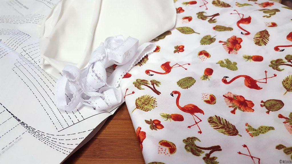 """Le matériel pour réaliser la culotte """"Pique-nique champêtre"""" du livre de couture """"Coudre sa lingerie"""" de Katherine Sheers et Laura Stanford."""