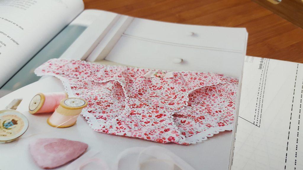 """Le modèle pour la réalisation de la culotte """"Pique-Nique Champêtre"""" du livre """"Coudre sa lingerie"""" de Katherine Sheers et Laura Stanford."""