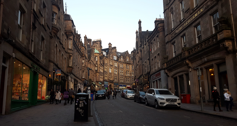 Cockburn street, une rue de la ville de la Old Town d'Edimbourg en Ecosse.