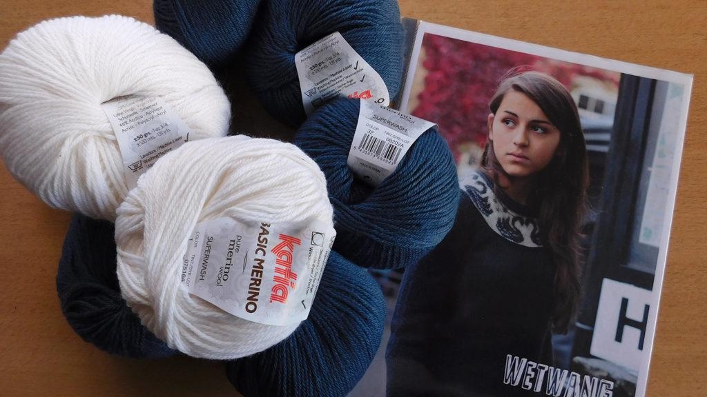La laine Katia Basic Merino et le modèle que je souhaite tricoter avec : le pull Wetwang à motif cygnes d'Ann Kingstone.